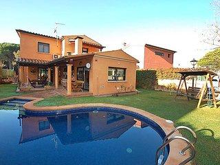 3 bedroom Villa in Santa Cristina D Aro, Costa Brava, Spain : ref 2097044, Santa Cristina d'Aro
