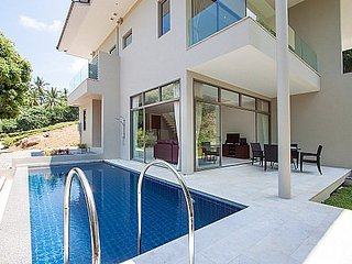 Modern 2 bed pool villa 1.5km to beach, Ang Thong