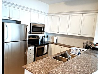Stylish 2 BR Suite near Rideau Canal (2c) - 914