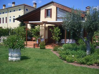 Elegant Dependance near Venice and Treviso in a smart garden