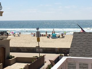 Best Mission Beach Location, Steps to Sand/Views! 3BR/2BA, Sleeps 12 AC/Pool/Spa