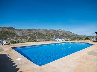 Wonderful villa in the countryside, 6 km from Calp