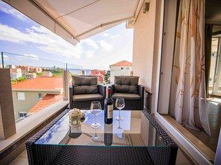 Brand new apt near sea and Split, Podstrana