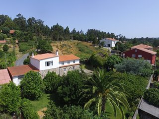Huge comfortable holiday house in a peaceful setting near Santiago, Santiago de Compostela
