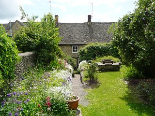 Bank Cottage, Northleach