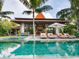 Spacious, Modern, Luxurious Canggu Villa w Pool