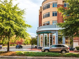 Furnished 1-Bedroom Condo at Duke St & Holland Ln Alexandria