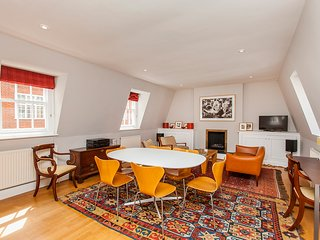 Beautiful 3 bedroom Terraced Victorian Mews House