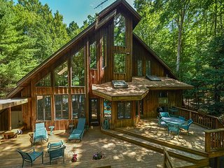 Private dock, fire pit and exceptional outdoor space in quiet community!