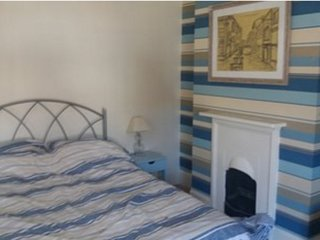 SeaFiSh - Self-Catering (Bedroom 2), Bognor Regis