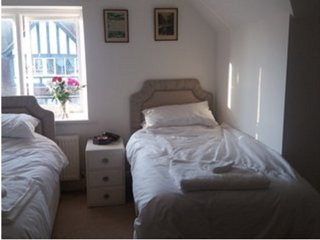 SeaFiSh - Self-Catering (Bedroom 3), Bognor Regis