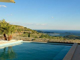 Villa Anna with pool & jet pool, Dubrovnik