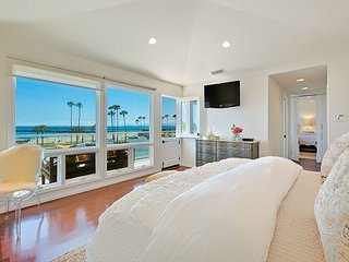 Amazing Location Right at the Beach, Corona del Mar