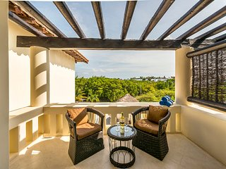 Luna Maya Tierra 5. Enjoy the sunset on the master bedroom terrace!
