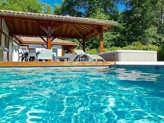 Villa landaise 10 pers., piscine chauffée, jacuzzi