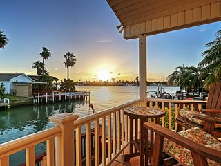 NEW! 2BR Port Isabel Cottage w/Waterway Views!