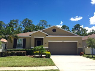 4 Bedroom/3 Bathrooms Crystal Cove (4712BD)