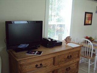 Wifi, Satellite TV, Net Flix, DVD, Amazon Prime