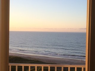 Beachy Relaxing Condo, Ocean Views, Breathtaking Sunrises