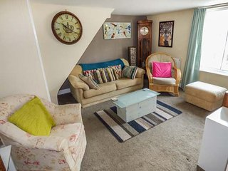 THE LOFT, three-storey townhouse, Smart TV, WiFi, dog allowed, walks in the area, in Winchcombe, Ref 934398