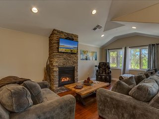Tahoe Woods Oasis - Walk to Heavenly/Lake/Casinos, Massage Chair, Two Master Suites, South Lake Tahoe