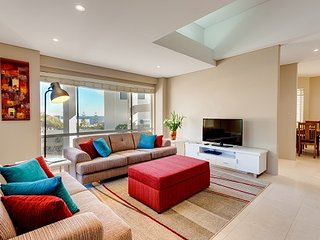 Cottesloe Beach House Stays - Contemporary Villa