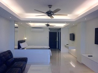 Modern Studio Apartment in Patong