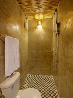 Honey Private House - Restroom