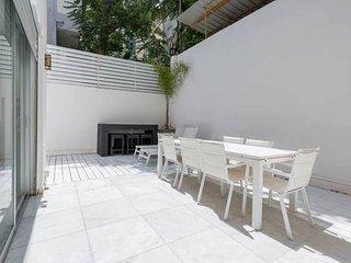3 bedrooms  with big terrasse, Tel Aviv