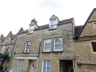 ServicedLets Walkers Court, Cirencester