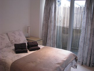 Lovely Merchant City  2 Bedroom Apartment, Glasgow