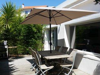 Maison de charme, terrasse, plage à pieds., Bidart
