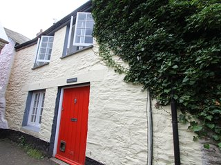 Charming GradeII-Listed 2Bed Central Fowey Cottage