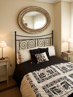 Habitación matrimonial, con baño en suite.