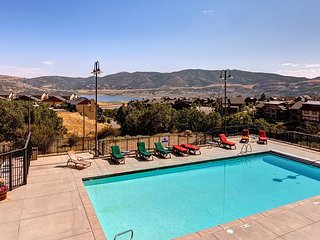 Mountain-View Condo at the Lodge at Stillwater - On-Site Pool & More, Heber City