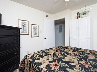 Condo Just Steps from the Beach, A Breezy Walk to the Pool at Sunchase!, Gulf Shores