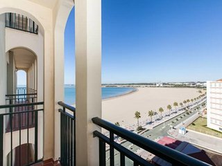 Beachfront apartment, great for couples