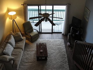 Emerald Shores - Incredible View-Spacious Condo-Vaulted Ceilings!