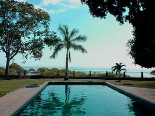 Large Ocean Front Apt, 20 min outside Panama City, Panama-Stadt