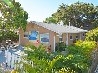 IRB Suites 1-BR- 362 Steps to Sand Btw Your Toes, Indian Rocks Beach