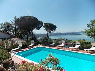 4 bedroom Villa in Passignano sul Trasimeno, Umbria, Italy : ref 2284828, Magione