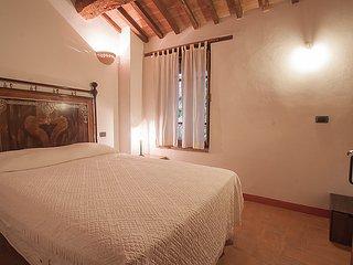 Cibottola Apartment Sleeps 6 with Pool and WiFi