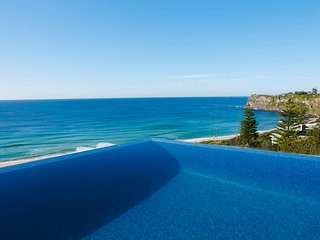 BUNGAN BEACH VILLA - Newport, NSW