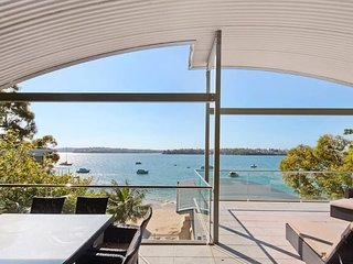 BUNDEENA BEACH HOUSE, Bundeena