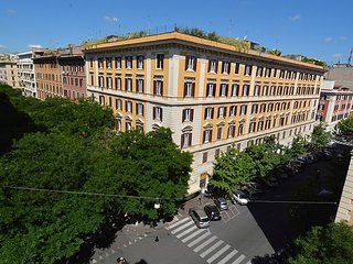 Vatican Family 4BR Apartment