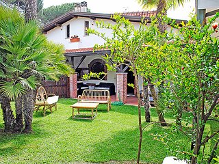 4 bedroom Villa in Circondariale, Latium, Italy : ref 5038589