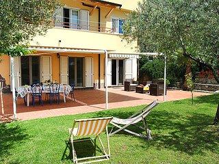 5 bedroom Villa in Castellonorato, Latium, Italy : ref 5056204