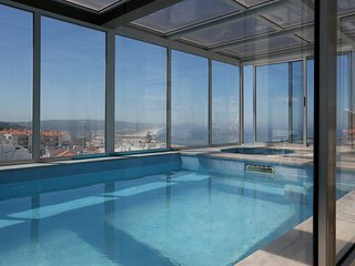 Luxury apartment with private pool and jacuzzi, Nazaré