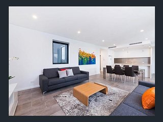 Brand New 3 Bedroom Apartment Overlooking Swan, South Perth