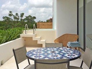 SAASIL Terrace Condo #09